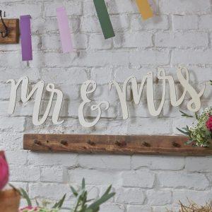 Holzgirlande für die Hochzeit