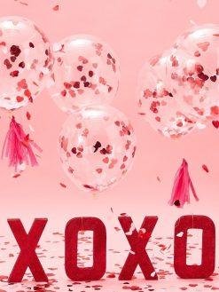 Luftballon mit Konfettiherzen