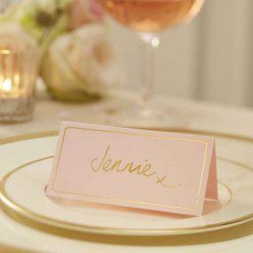 Platzkarten in pastell rosa